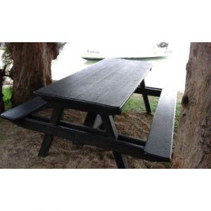 OUTDOOR PICNIC TABLE FROM 100%PLASTIC ON ECOMAURITIUS.MU