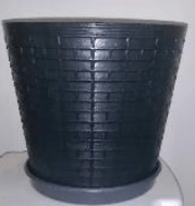 black flower pot in recycled plastic on ecomauritius.mu